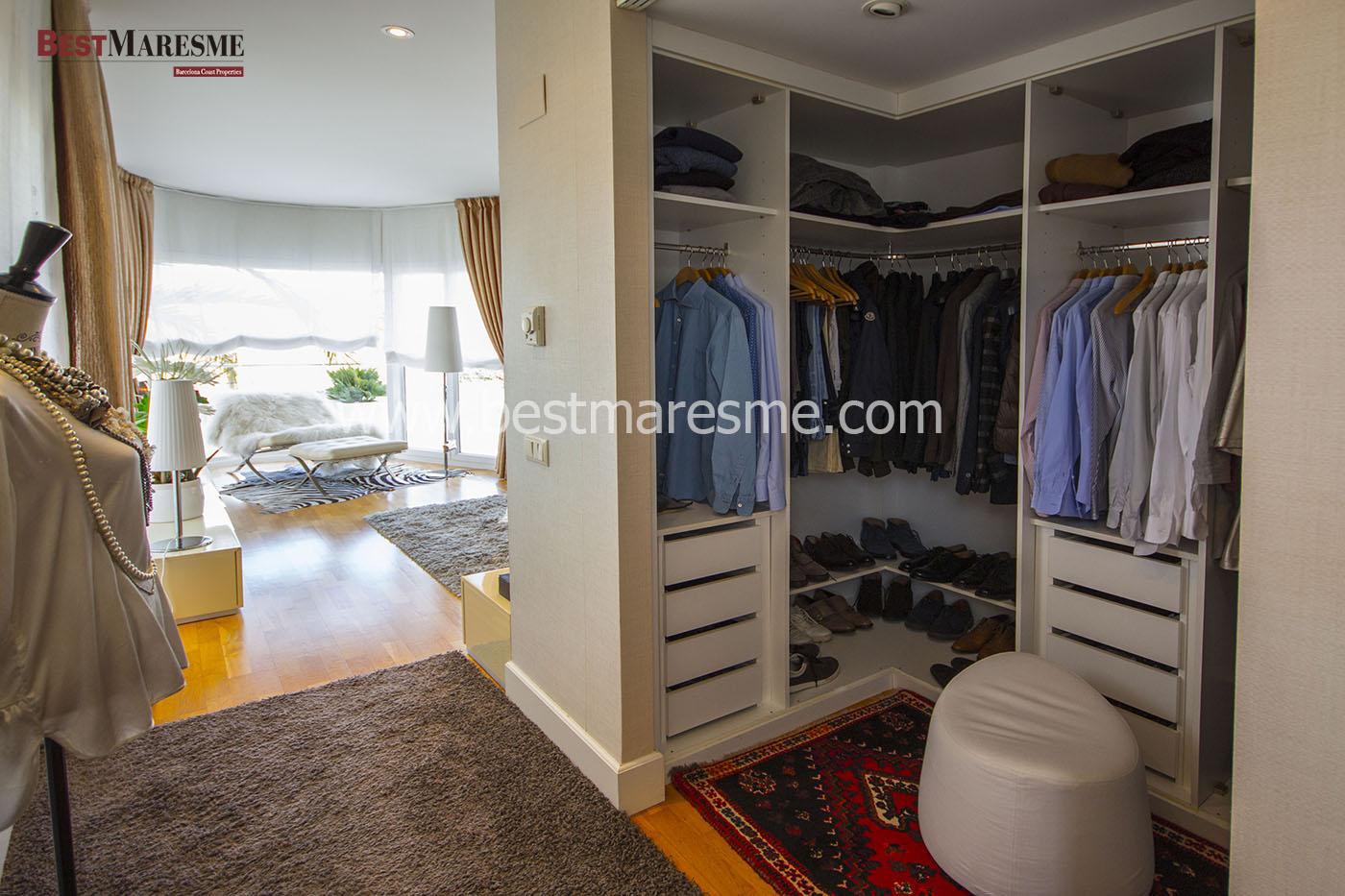 cuando nos planteamos colocar un vestidor o un armario por ejemplo si queremos poner un vestidor es fundamental considerar si disponemos de una habitacin - Vestidores Abiertos
