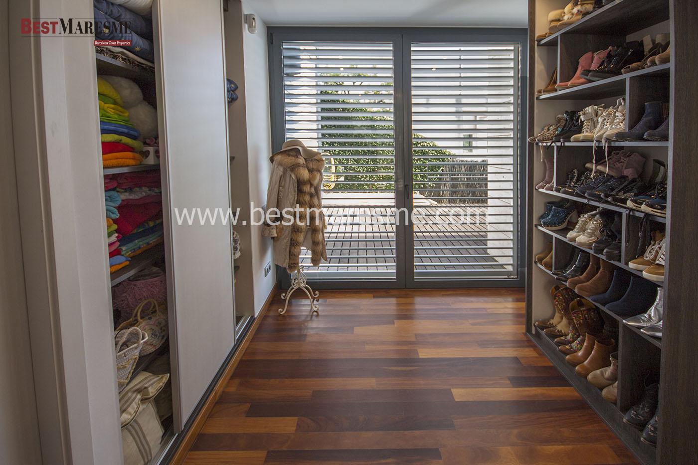 c 212 vestidor abierto de maderas nobles - Vestidores Abiertos