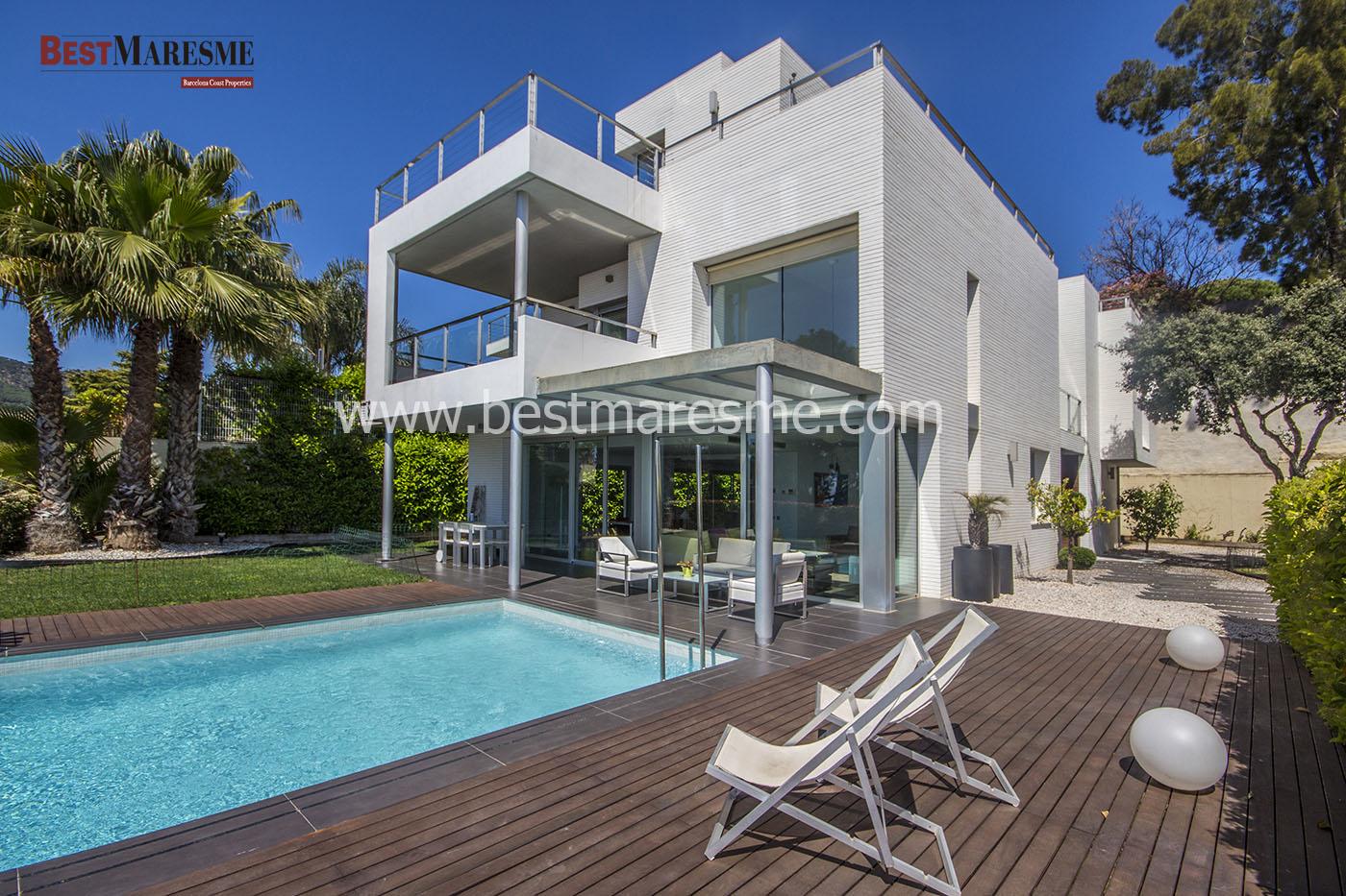 Casa de lujo y diseño con bonitas vistas al mar