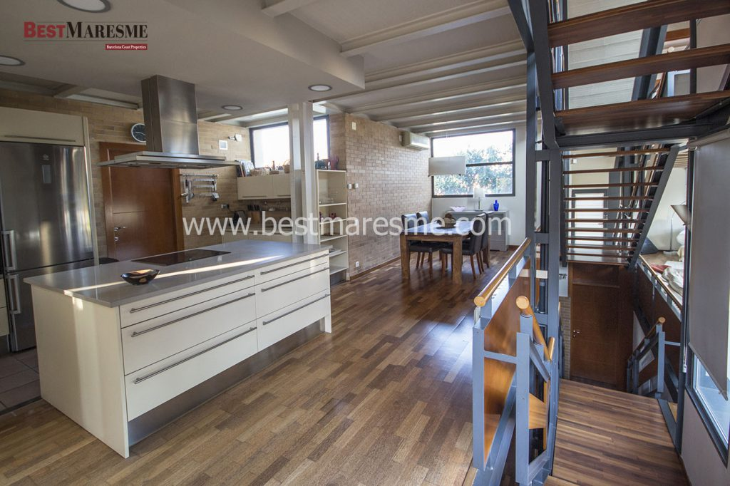Large kitchen-office