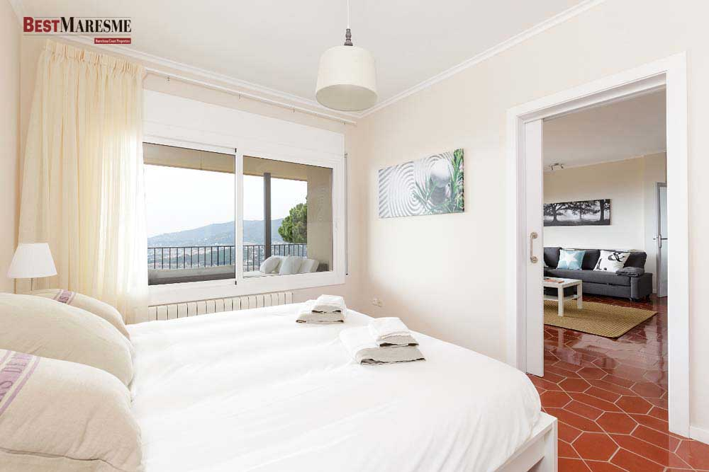 Gran suite principal, salón, chimenea y terraza