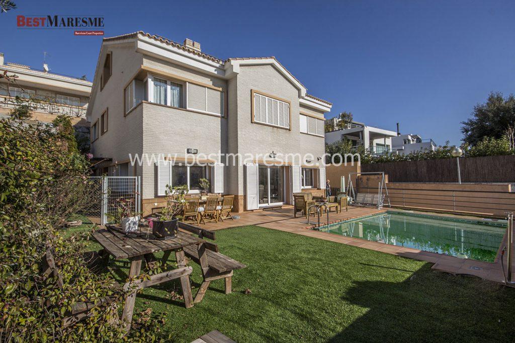 Magnífica casa de estilo clásico en Vilassar de Dalt