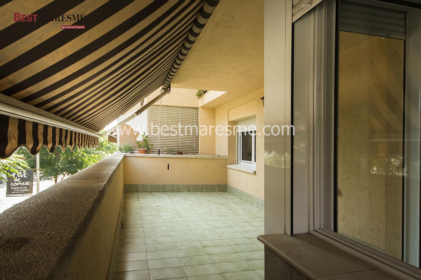 Salón comedor con salida a terraza