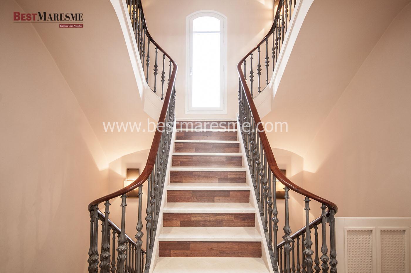 Preciosa escalera doble