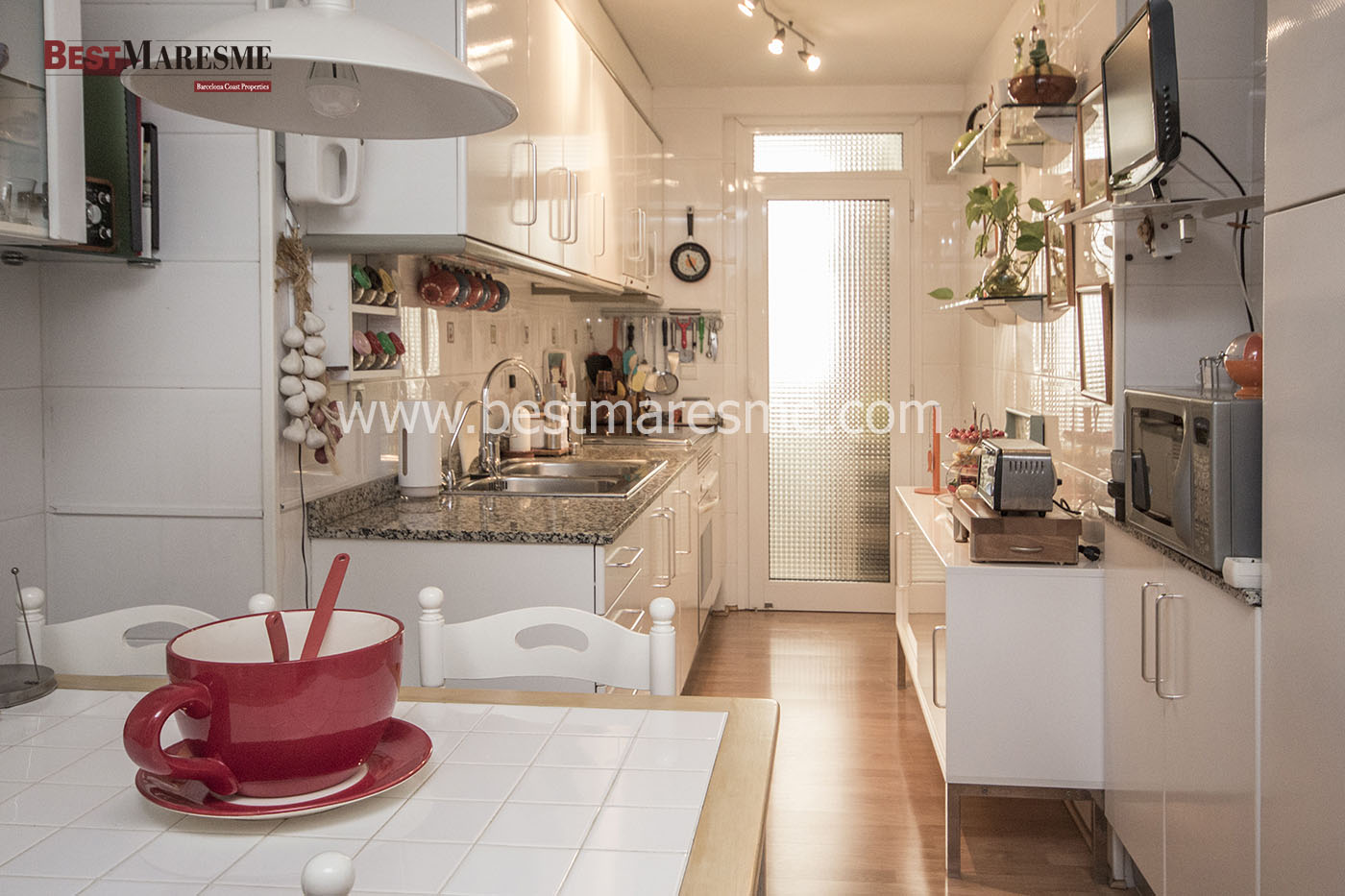 Cocina Office con zona lavado independiente