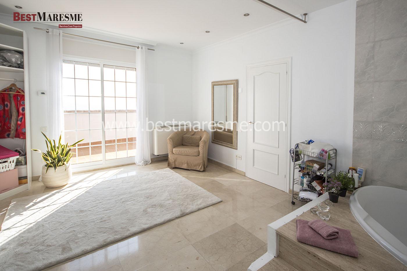 Suite con vestidor y terraza privada