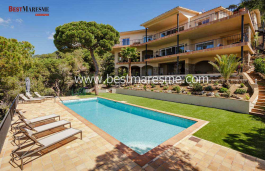 Large spaces opened to a nice terrace with chill-out area, a beautiful outdoor garden and pool