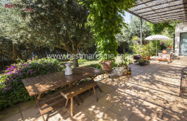 Exquisite home in a unique style located in the center of the town of Premia de Dalt, utmost privacy