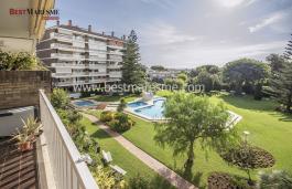 Impressionnant appartement semi-rénové avec magnifique zone communautaire exclusive de Vilassar de Mar