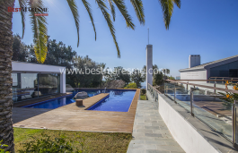 Elegant house on a double plot with spectacular views in Supermaresme.
