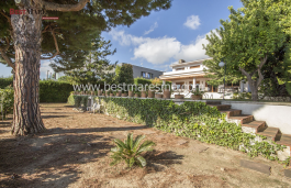 Property for sale, 100% Mediterranean style with privacy and surrounded by a green area in Can Teixidó, Alella