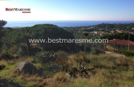 Land of 850 m2, buildable, in Premia de Dalt, in a corner, with spectacular sea and mountain views