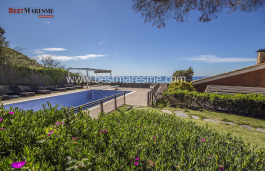 Completely renovated and with the best sea views in Cabrils!
