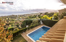 The property has, spectaculars sea views and also to the sky-line of Barcelona