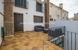 Detached house in Vilassar de Mar, renovated in one of the best areas and only 2 min from the train and beach