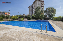 Central apartment of 115 m2 located in a fantastic residential complex, with a large community area.