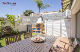 Impeccable ground floor apartment of 97 m2 with a 35 m2 garden in the center of Vilassar de Dalt.
