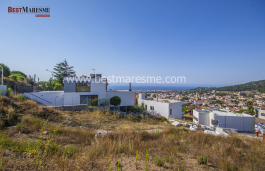 Luxurious design house with fantastic sea views, located on the Costa de Barcelona with lots of day light