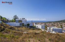 Luxueuse maison de design avec une vue fantastique sur la mer, située sur la Costa de Barcelona avec beaucoup de lumière