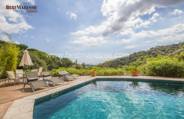 Luxury, tranquility and privacy in Alella on a 2,201 m2 plot with sea views