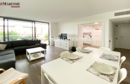 Bright, spacious and with an excellent communal area with pool and paddle
