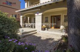 Comfortable and functional semidetached for sale in Vilassar de Dalt center.