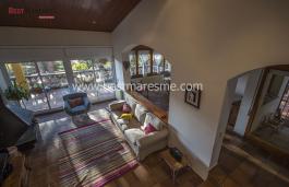 Fantástica vivienda unifamiliar de 3 plantas, cerca del centro de la población gastronómica de Cabrils