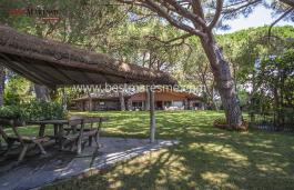 Красивая вилла на продажу с фантастическим видом на море и поля для гольфа всего в нескольких шагах от центра Сан-Андреу-де-Льяванерес
