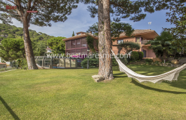 Maison impeccable à vendre, excellent emplacement et orientation, Premià de Dalt