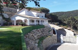 Magnifique maison à vendre à quatre vents à Cabrils avec une vue fantastique sur la montagne.