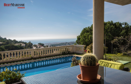 Built on an elevated plot. Stunning views of the Mediterranean and the skyline of Barcelona