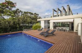 Modern style house with sea views Sant Vicenç de Montalt center