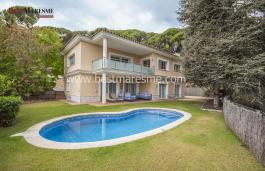 Casa de estilo mediterráneo, Premia de Dalt