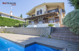 A spectacular property ready to enjoy it, with beautiful Mediterranean views!