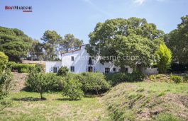 Masia completely renovated in a Eco-Chic style plus three independent houses