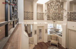 Very private and exclusive property in Cabrils, furnished and equipped.