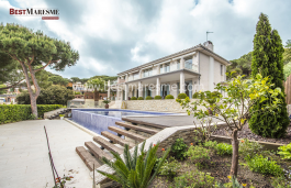 A unique property in the area and with unbeatable details. Cabrils