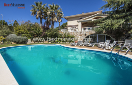 Housing 815m², spread over three floors plus basement with large porches and terraces, on a plot of 1,500sqm